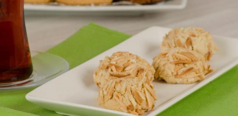 Bu görsel boş bir alt niteliğe sahip; dosya adı bademli-ev-kurabiyesi.png